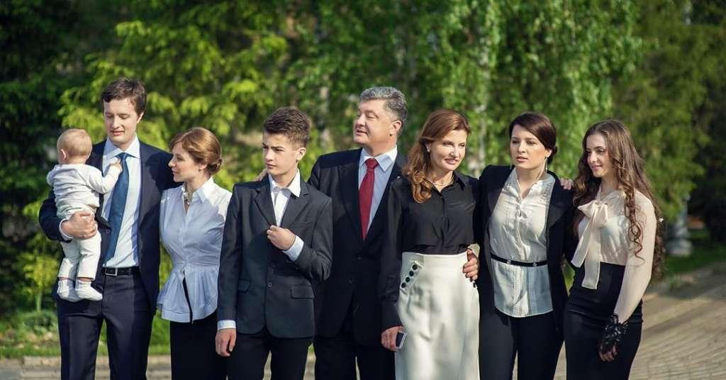 Вам таке навіть не насниться… Стало відомо де і за які захмарні суми відпочиває Петро Порошенко. Оце безвіз в дії