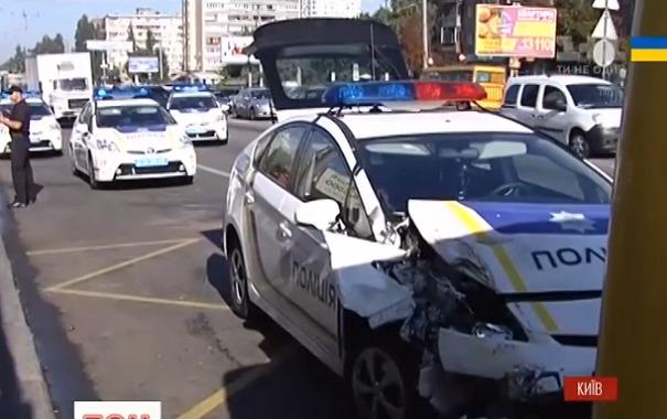 Моторошна ДТП: Поліцейське авто переїхало дитину, за життя хлопчика борються лікарі
