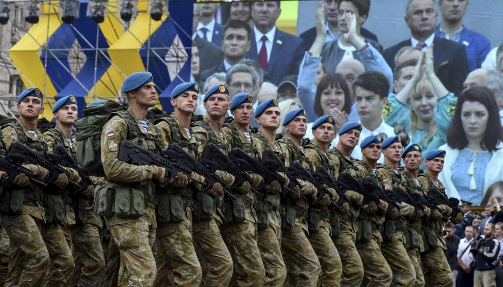 Та що це таке??? В центрі Києва сталася нова біда, постраждалих рятували всі перехожі