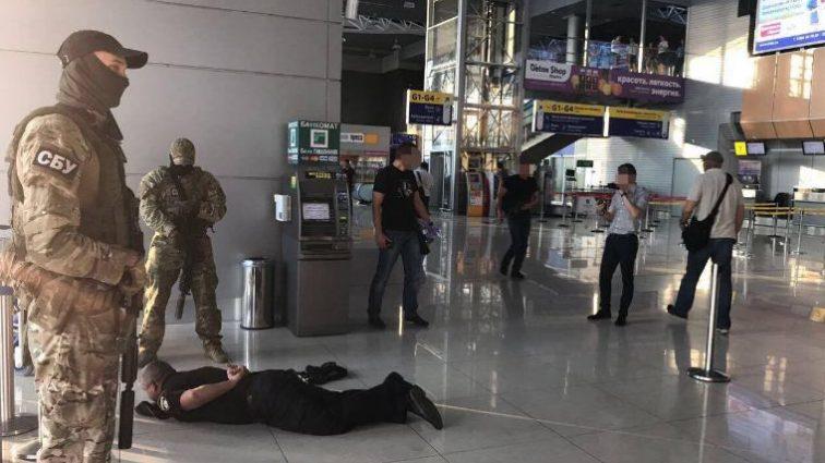 Нові поліцейські – нові методи! Те, де ховали гроші правоохоронці шокувало навіть СБУ (ФОТО)