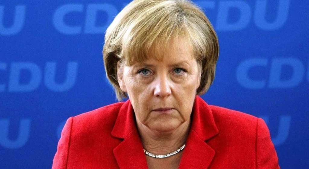ТІЛЬКИ НЕ ПАДАЙТЕ!!! Меркель розповіла шокуючу інформацію про відміну санкцій проти Росії