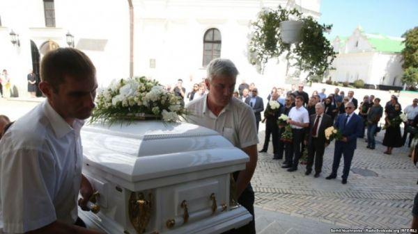 VIP-місце поряд з… Стало відомо біля кого поховали Ірину Бережну. Такого українці точно не чекали