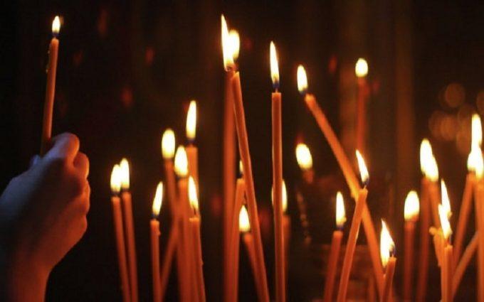 Ви все життя робили це неправильно!!! Стало відомо, як правильно ставити свічку в церкві, щоб не загнати себе і рідних в могилу