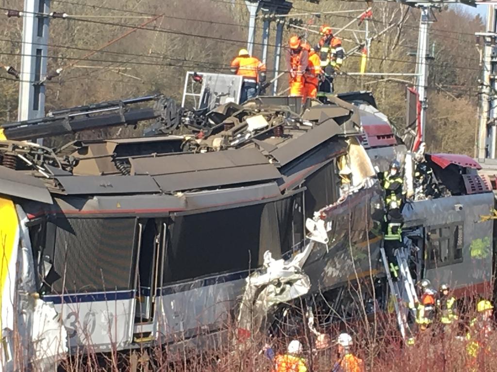 Два потяги зіткнулись… Велика кількість постраждалих. Вся країна шокована