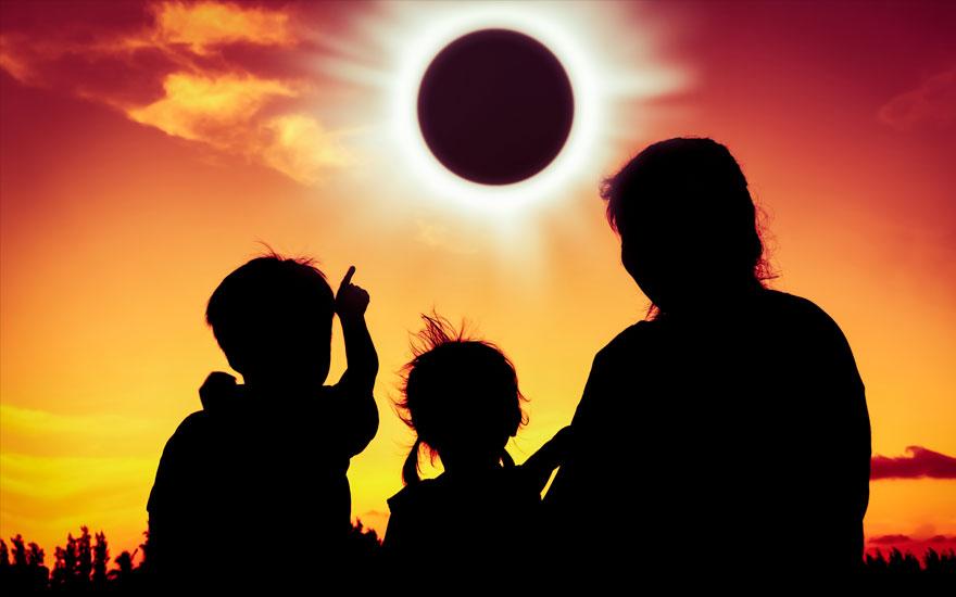 """""""В цей день не варто боятися своїх…"""" Сонячне затемнення 21 серпня, вся правда!"""