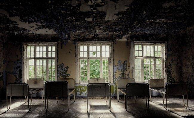Будьте обережними!!! У Львові пацієнт психлікарні утримував заручника і наніс собі страшні тілесні ушкодження