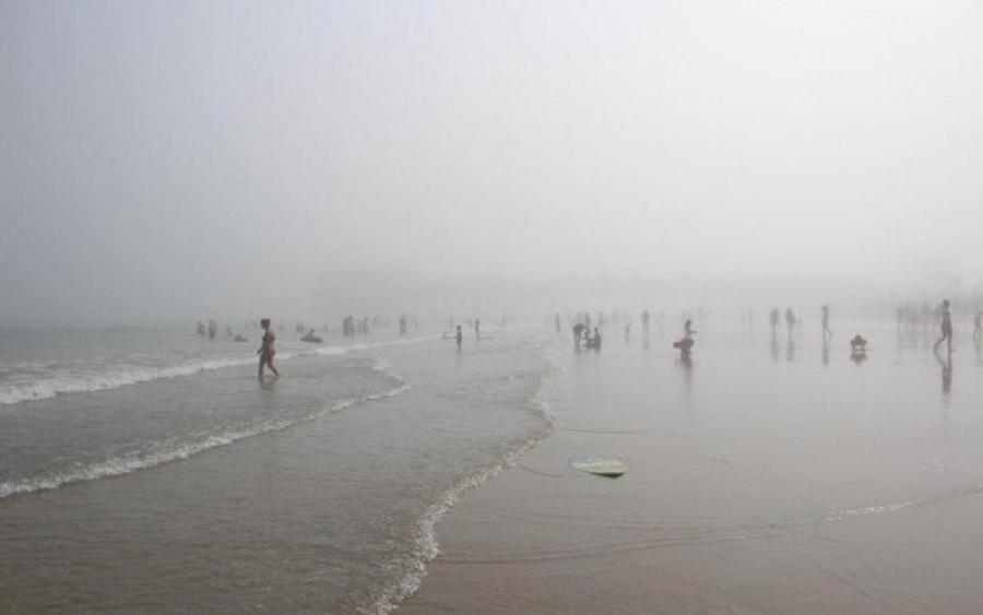 ЯДУЧИЙ туман накрив відомий курорт… Велика кількість постраждалих. Там твориться справжнє жахіття