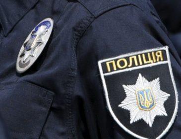 """""""Вона не може ні говорити, ні…"""": Патрульні у полі поблизу Борисполя знайшли несподівану знахідку. Поліцейські були в шоці"""