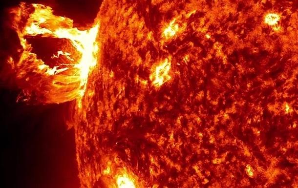 ШОК!!! На сонці стався масштабний спалах, якого не було десятки років, вчені попереджають про катастрофічні наслідки