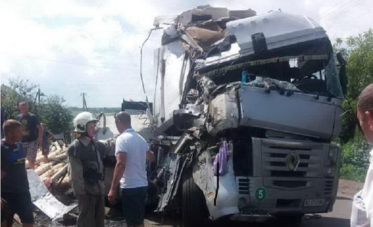 Який жах!!! На Львівщині сталася моторошна ДТП за участі вантажівки