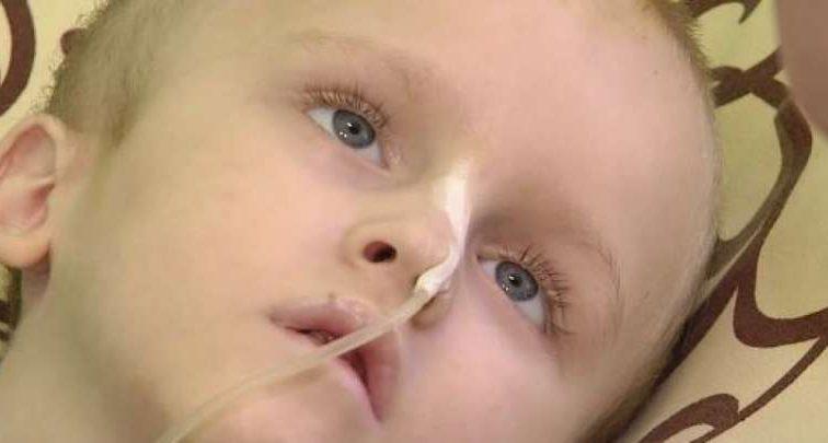 Допоможіть врятувати маленького Стаса, через жорстокість батьків хлопчик у тяжкому стані