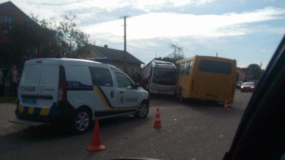 Склались в двоє! На Львівщині сталась страшна аварія , швидка зіткнулась з автобусом. Те, в якому стані був водій….