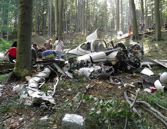 Від літака майже нічого не залишилось: Українці загинули в жахливій авіакатастрофі. Деталі шокують