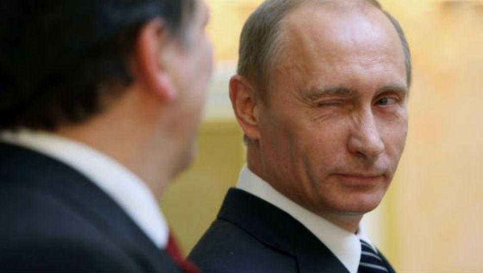 """""""Вона нагнулась і тоді…"""": """"Коханка"""" Путіна вразила своїми пишними формами усю Італію. Тільки погляньте!"""