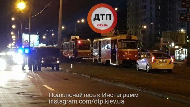 Дитина померла миттєво: Моторошна ДТП, трамвай переїхав жінку з дитиною. Ці фото ЖАХАЮТЬ