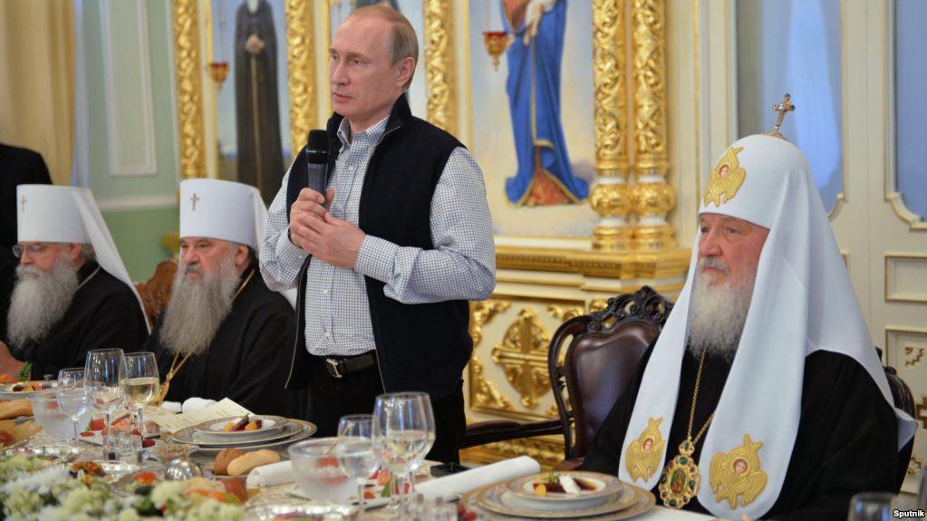 """""""Куди цей світ котиться"""": Як московські попи не дозволили відспівати у церкві бійця АТО. Двері в каплицю просто закрили і…"""