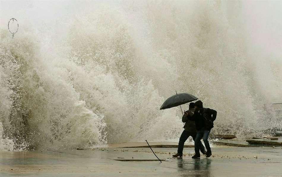 ТЕРМІНОВО! У Львові оголошено штормове попередження. На місто насувається дещо страшне. Сидіть краще вдома