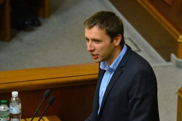 """""""Об'явився і зразу таке сказанув"""": Парасюк зробив гучну заяву щодо президента і… Тримайтесь міцно на ногах"""
