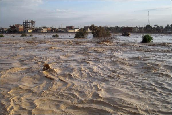 Скоро і в нас таке буде? В Росії авто і навіть будинки пішли під воду, здавалося, що кінець світу прийшов