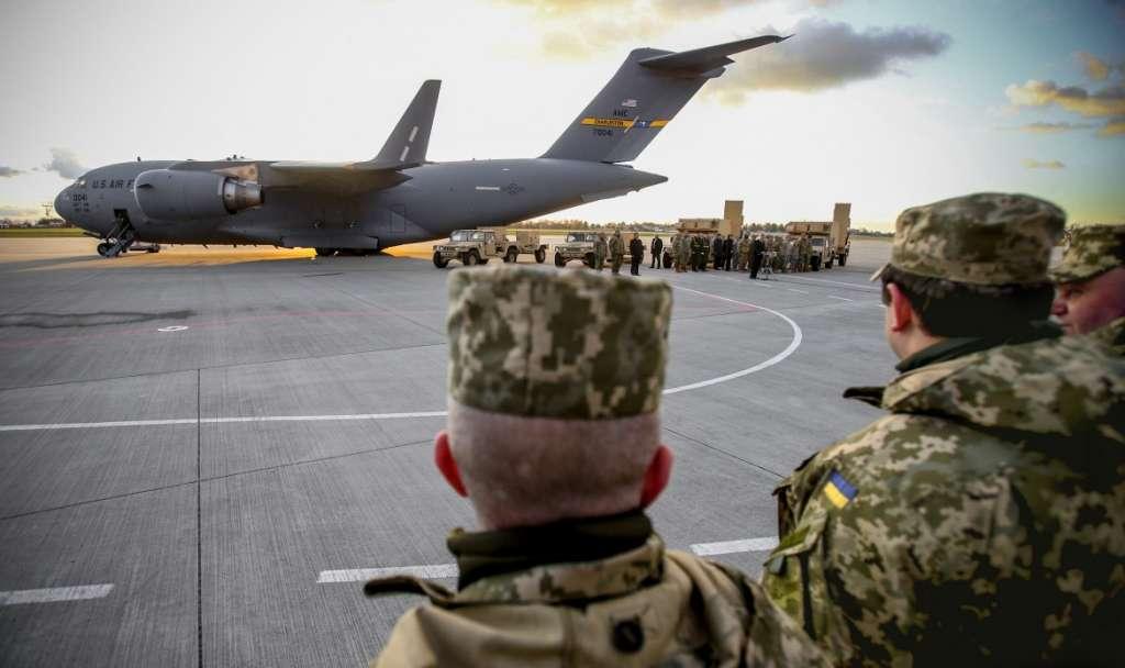 """""""Вибухи в Калинівці…"""": Стало відомо рішення США про надання летальної зброї Україні"""