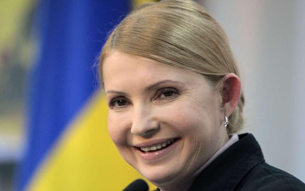 Ще й руку поцілували: В Мережі з'явились шокуючі кадри як Тимошенко кордон перебігала. Очі вже на лобі від побаченого