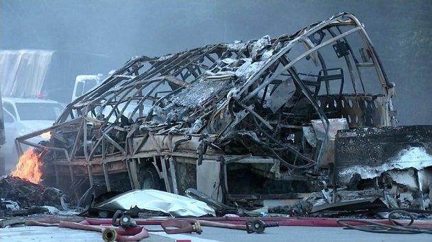 Згоріли дотла: 11 танцюристів загинули жахливою смертю в вогняному ДТП. Не вижив НІХТО
