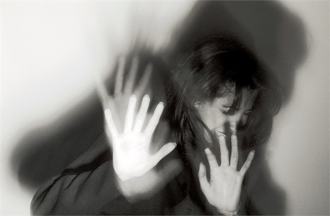 Група хлопців жорстоко згвалтували дівчину, а після потрапили в смертельне ДТП. Деталі історії лякають