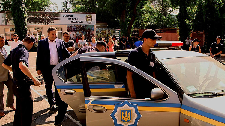 """ТЕРМІНОВО! З'явилось відео з """"готелю Саакашвілі…"""": Велика кількість правоохоронців та прикордонників вони просто"""