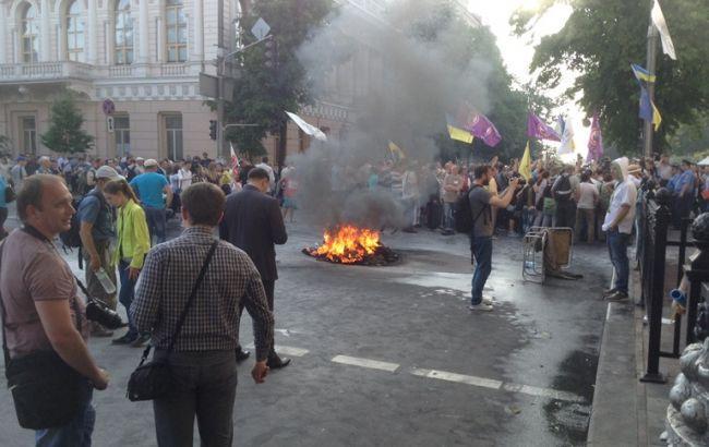 Там ТАКЕ  коїться!!! Заблоковано центр Києва, під Радою масовий протест, що ж сталося?