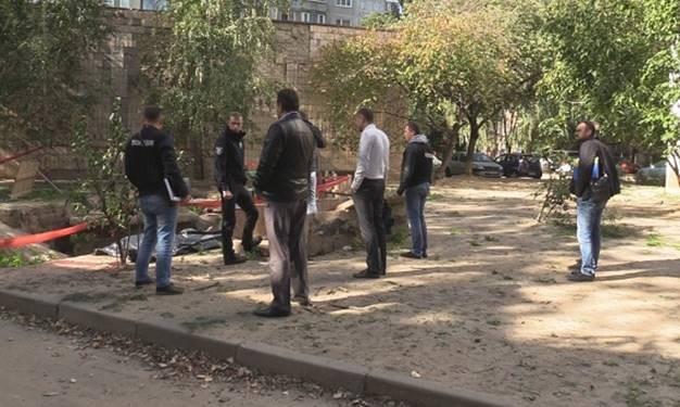 Валявся вже тиждень: у центрі знайшли тіло чоловіка без голови, від деталей моторошного вбивтства кров холоне