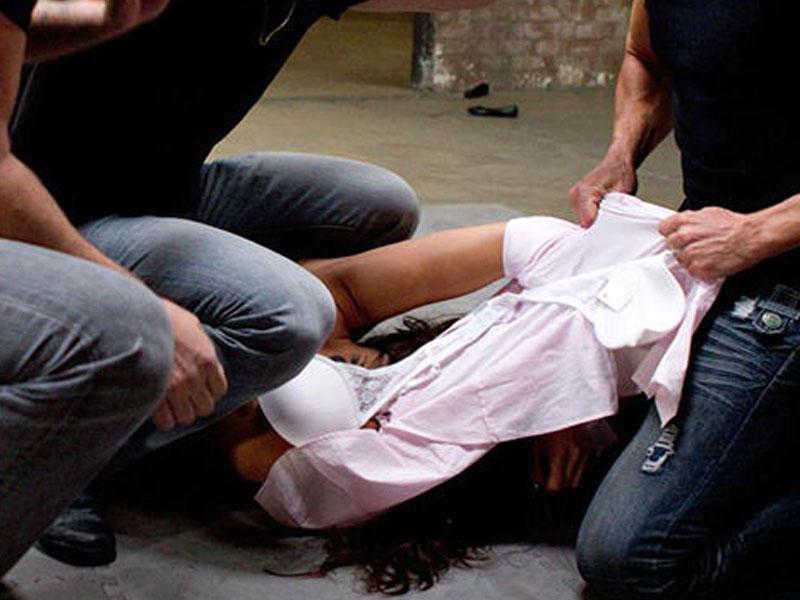 Вони її спочатку жорстоко побили, а потім по черзі ґвалтували: школярі по-звірячому познущалися з 12-річної дівчинки, починається суд