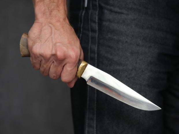 Сімейні розбірки у Моршині: чоловік вдарив ножем дружину в живіт, а вона його – у інтимне місце