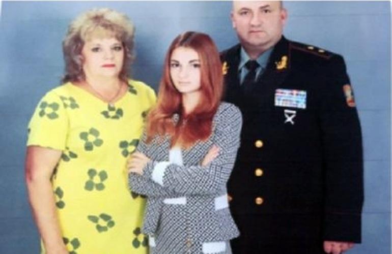 """""""Найбільша ганьба – Майдан"""": Скандальні подробиці про дочку генерала Міноборони"""