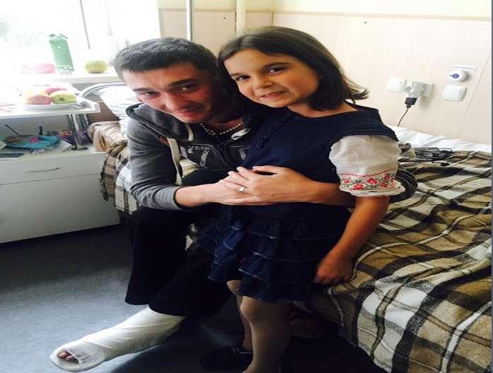 """""""Як то кажуть, до сліз…"""": Донька відомої телеведучої зворушливо привітала бійців АТО у госпіталі"""