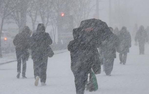 """""""В Москві випав перший сніг"""": з'явилися перші кадри, синоптики попереджають і українців про зміну погоди"""