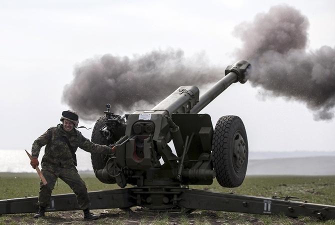В Маріїнський парк вже звезли артилерію, влада дала перший коментар