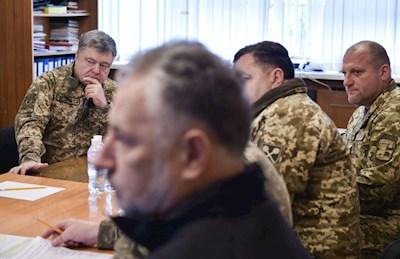 Порошенко здійснив візит в АТО: Геращенко повідомила перші деталі
