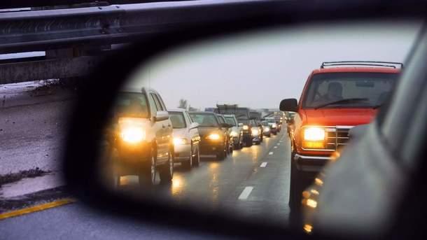 НОВИНКА ДЛЯ ВОДІЇВ: Сьогодні починають діяти нові правила на дорогах. Сума штрафів за невиконання ШОКУЄ