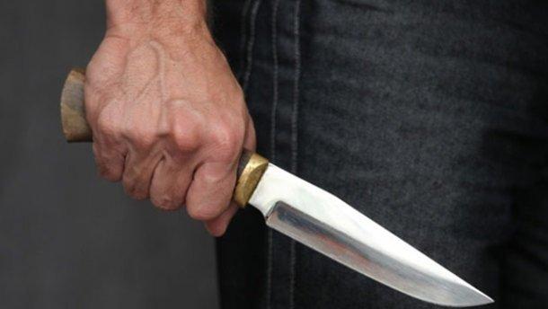 11 ударів ножем!!! Чоловік жорстоко вбив свою екс-дружину, його ледве відтягнули від неї