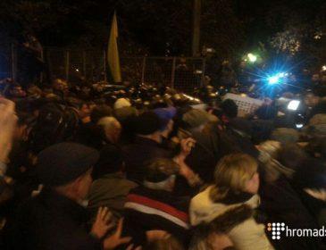 Мустафа Найєм повідомив, що відбувалося сьогодні вночі під Радою і розповів про дії правоохоронців