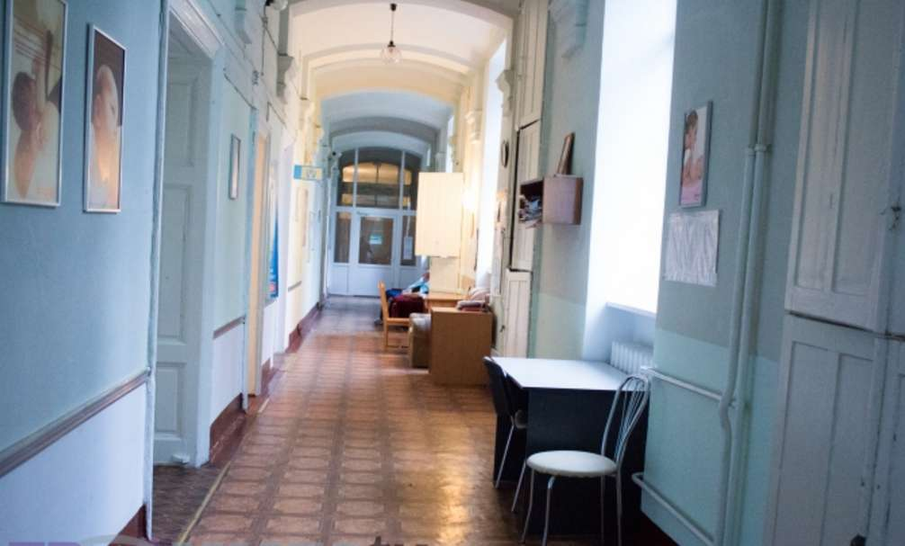 ПРОСТО ЖАХ! Умови, в яких народжують жінки у львівському пологовому будинку шокують навіть найстійкіших