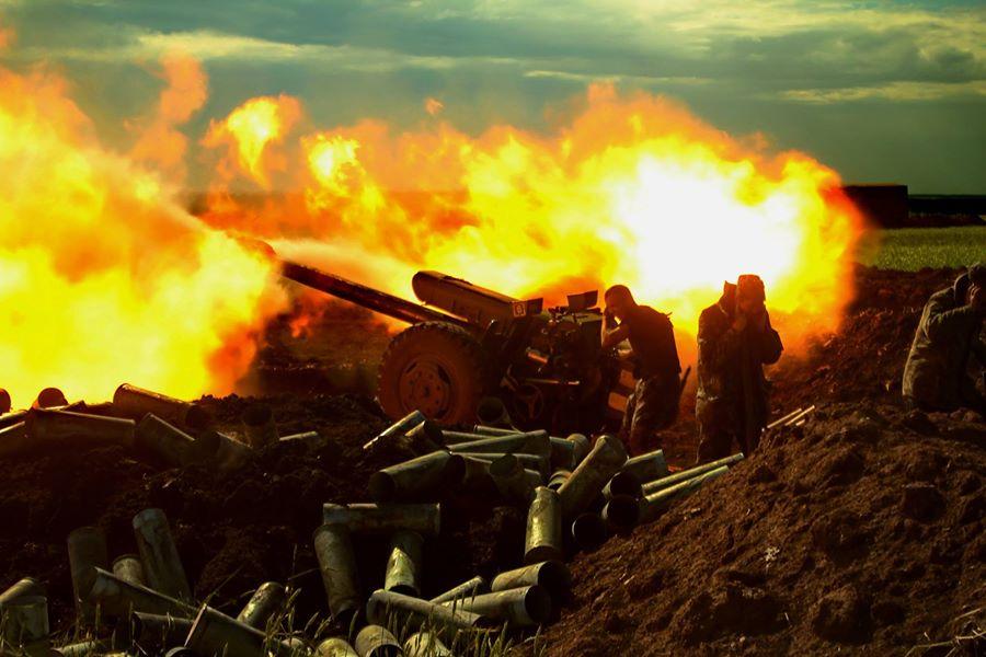 Поливали вогнем: Ситуація в зоні АТО загострюється