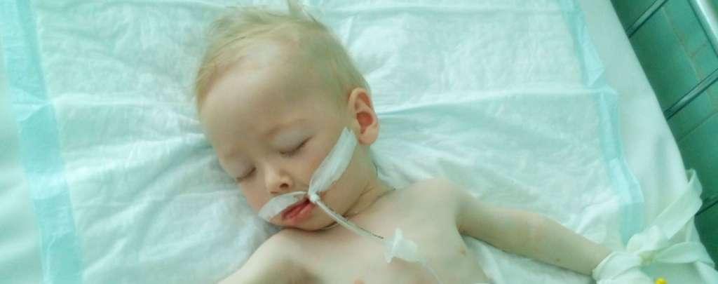 """""""У малюка почалася шлункова кровотеча"""": маленький Серафим потребує вашої допомоги"""