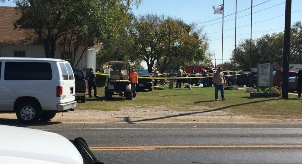 Невідомий влаштував стрілянину у церкві, загинуло щонайменше 20 людей