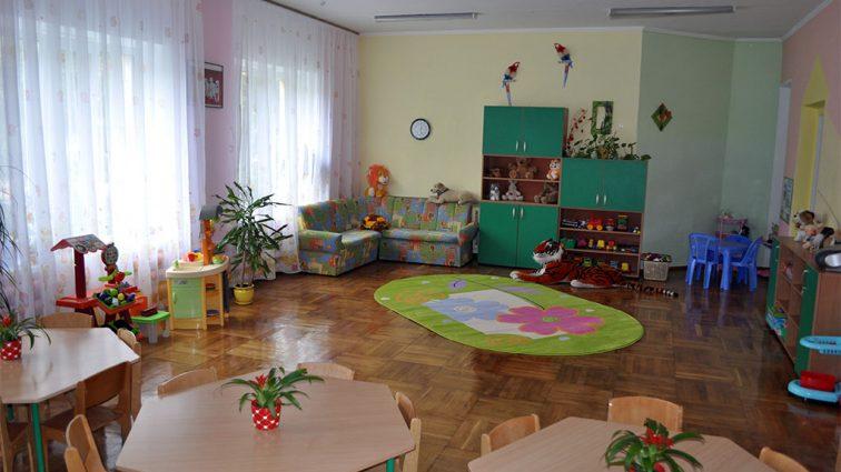 Розлючені батьки влаштували самосуд над вихователькою дитячого садка, яка знущалася з їхніх дітей