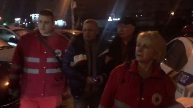 """""""Натовп """"пошматував"""" водія"""": у Києві влаштували самосуд, який зняли на відео"""