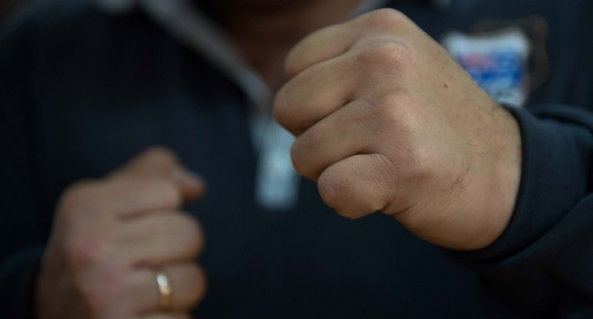 На Тернопільщині побили дівчину, яка співпрацювала з поліцією