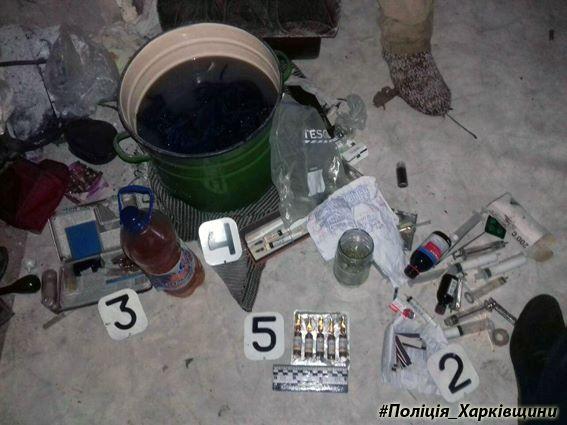 """""""Протягом року виготовляли наркотики…"""": Правоохоронці затримали злочинну групу"""