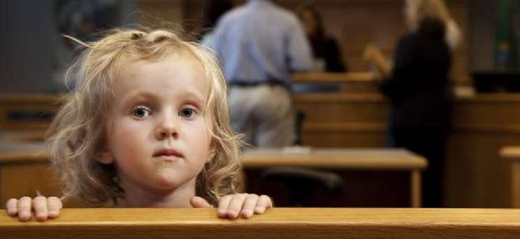 """""""Ввести жорсткіші правила"""": Позбавляти батьківських прав хочуть по-новому"""