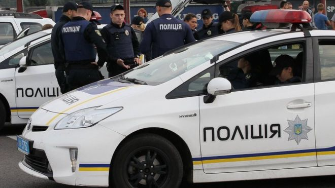 Співробітник посольства РФ збив на переході у центрі столиці жінку з дитиною